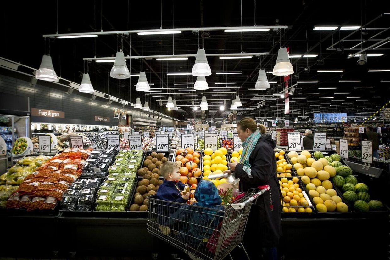 Supermarkederne har – trods risikoen for smitte – altid været åbne. Det vil også være tilfældet, selv om smitten stiger.