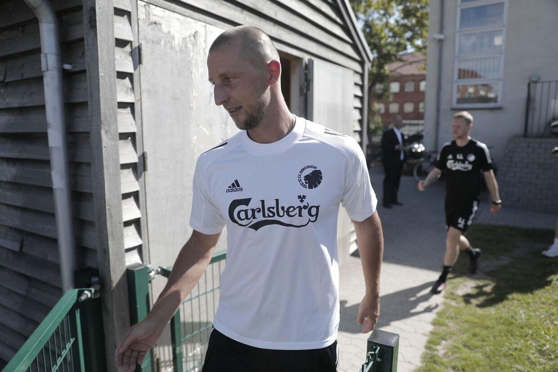 Kamil Wilczek går på banen på FCK's træningsanlæg, 10'eren, på Frederiksberg torsdag 6. august.