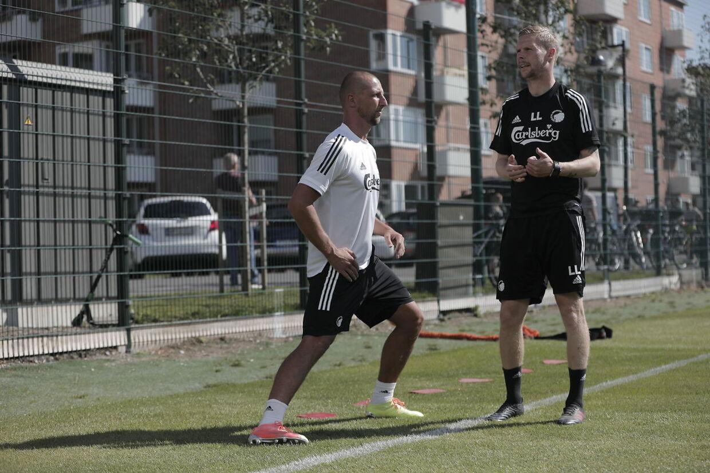 FCK træner og introducerer deres nye spiller Kamil Wilczek på Frederiksberg torsdag 6. august 2020. Kamil Wilczek er blevet ansat på en treårig kontrakt. Angriberen kommer fra tyrkiske Göztepe.Kamil Wilczek trænede med for første gang torsdag.