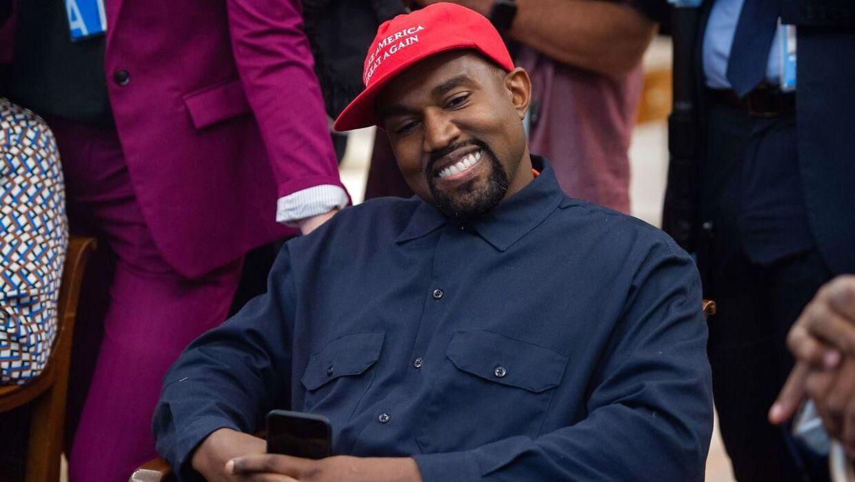 Kanye West med en 'Make America Great Again'-kasket i 2018.