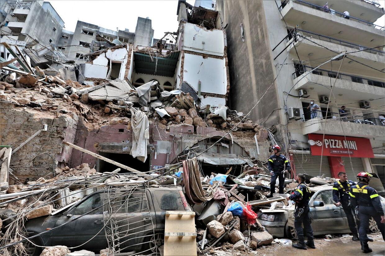 Flere bygninger er styrtet sammen.