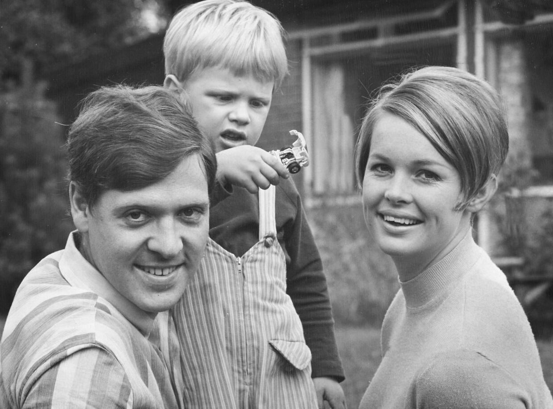 Skuespillerinden Ghita Nørby, sangeren Dario Campeotto og deres søn, Giacomo.