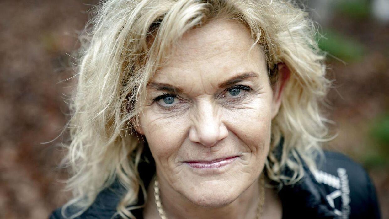 Tv-lægen Charlotte Bøving har sin daglige gang i Jugendhuset i Varde. Hun er blandt andre kendt fra programmerne 'Lægen flytter ind' og 'Jagten på stilheden'.