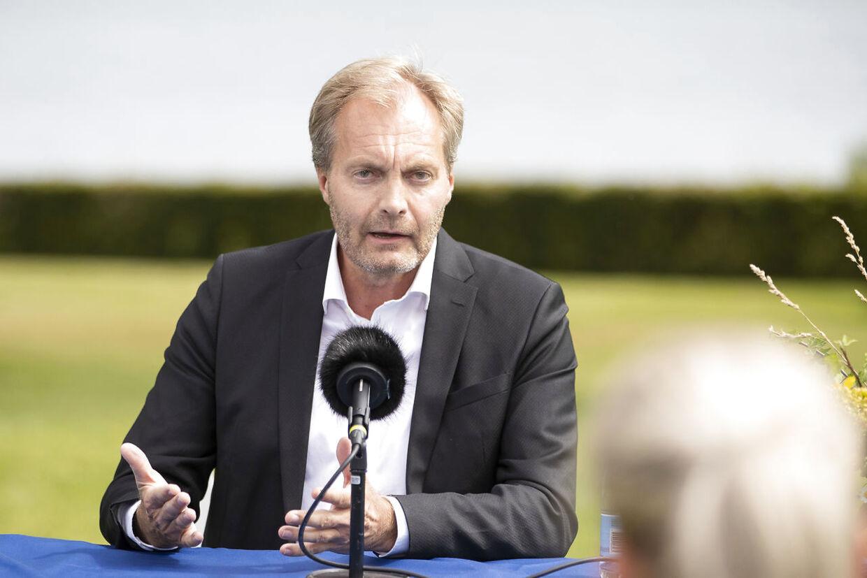 Peter Skaarup (DF) vil tage fat i justitsminister Nick Hækkerup (S) for at sætte en stopper for den store forsamlinger i forbindelse med begravelser. (Foto: Frank Cilius/Ritzau Scanpix)