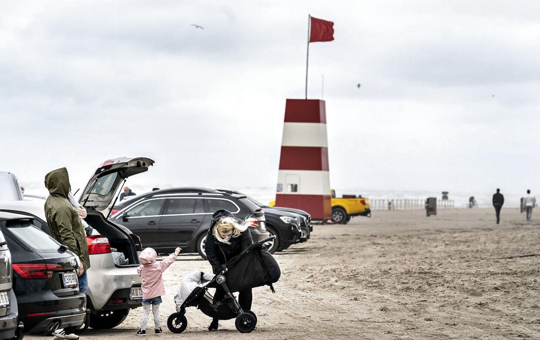 Mere ustabilt vejr er på vej mod Danmark. Arkivfoto Blokhus Strand, 30. juli 2020.