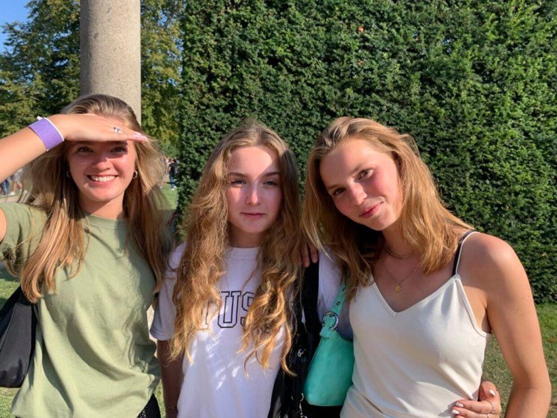 1.g-eleverne fra Niels Brock Gymnasium Siska, Gunna og Ellen, der alle er 16 år.