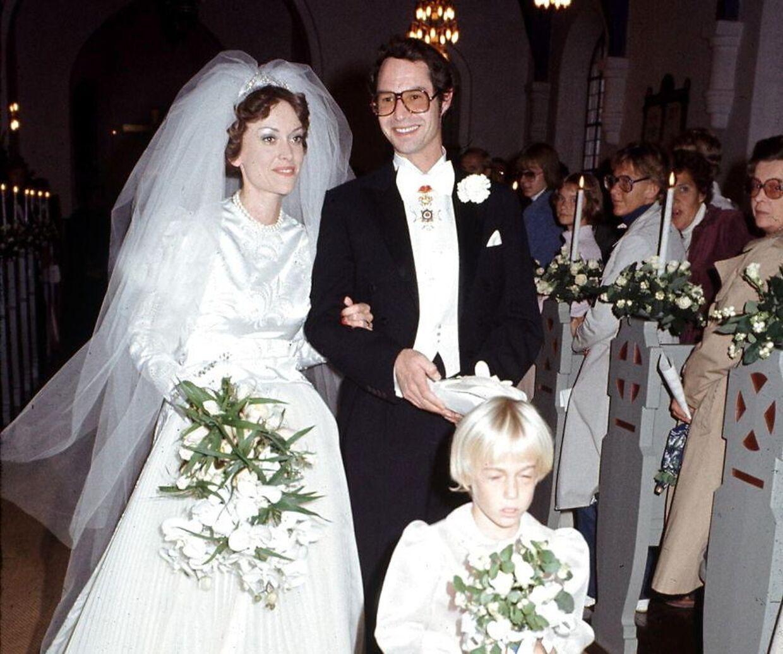 Prins Waldemar blev i 1977 gift med hoffotografen Anne-Lise Johansen.