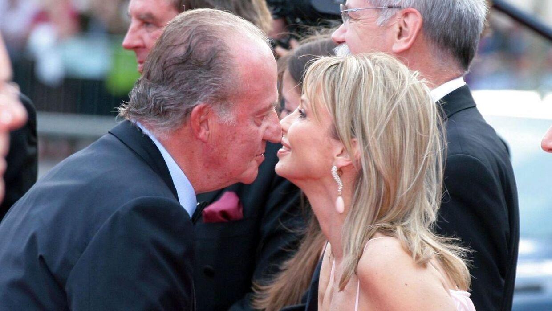 Den tidligere spanske konge er her fotograferet med danske Corinna zu Sayn-Wittgenstein under et awardshow i 2006 - mens deres kærlighedsforhold endnu stod på.