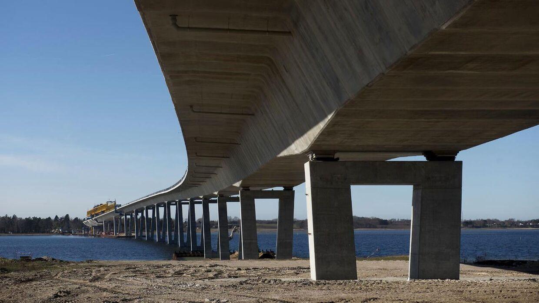 Byggeriet af Kronprinsesse Marys Bro. Broen er ca. 1, 4 km lang og er Danmarks tredje betalingsbro.