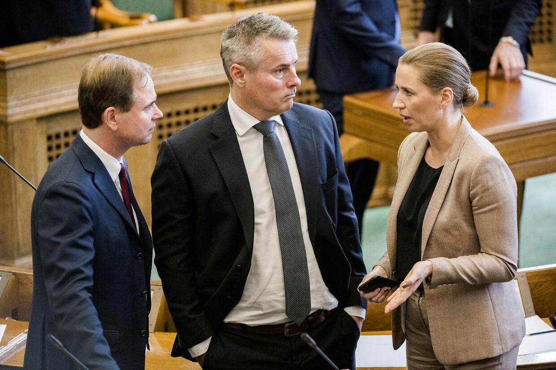 Socialdemokraternes formand, Mette Frederiksen sammen med Henrik Sass Larsen og Nicolai Wammen - under Folketingets åbning, tirsdag den 3. oktober 2017.