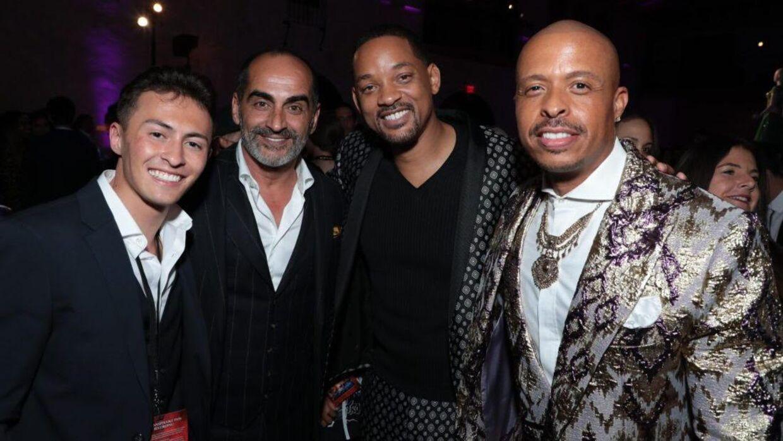 Nicky Andersen på den røde løber ved premieren på 'Aladdin' sammen med Jamal Sims, Will Smith og Navid Negahban. Den danske danser var assisterende koreograf på Disney-filmen.