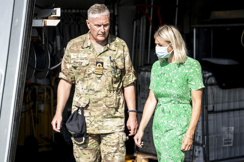Forsvarsminister Trine Bramsen modtog analysen fra tilsynet fredag.