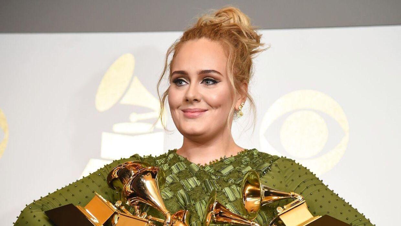 Adele får kritik på de sociale medier.
