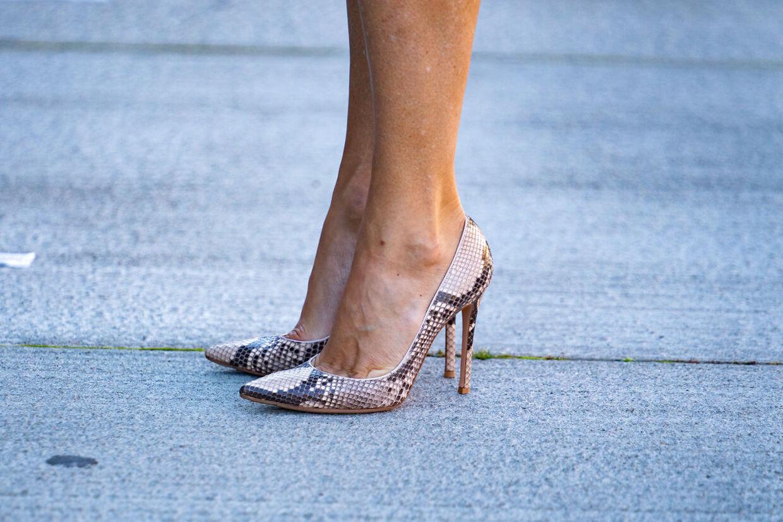 Kjolen var flot, men ifølge modeekspert Sille Henning, var det Marys smarte stilletter, der stjal modebilledet.