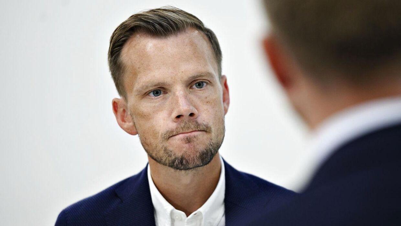 Beskæftigelsesminister, Peter Hummelgaard, mener ikke at den nye aftale lander for sent.