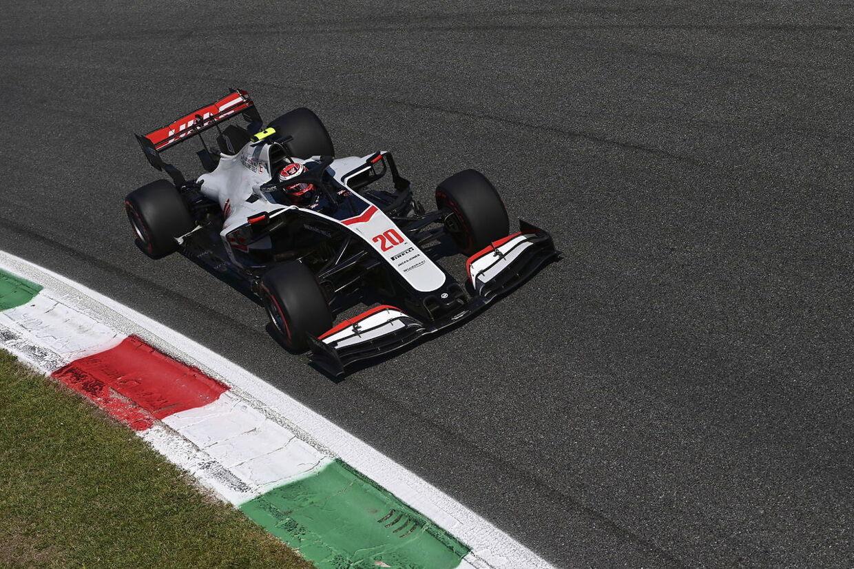 Kevin Magnussen havde kun indirekte indflydelse på de eksplosive hændelser på Monza-banen.