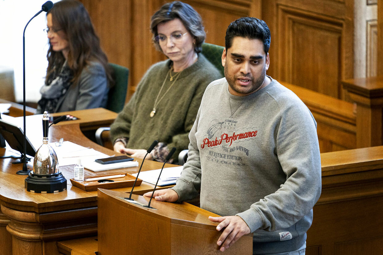 Her ses Sikandar Siddique debattere i Folketingssalen, mens han var medlem af Alternativet. (Foto: Ida Guldbæk Arentsen/Scanpix 2020)
