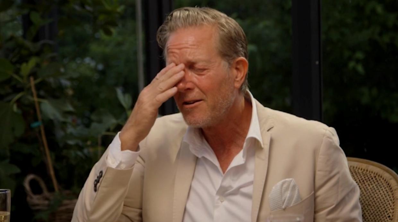 Peter Mygind havde svært ved at holde tårerne tilbage, da han skulle fortælle om tabet af sin far.