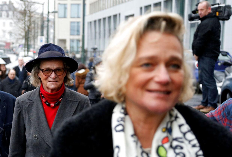 Delphine Boël, ses her foran sin mor, Sybille de Selys Longchamps.