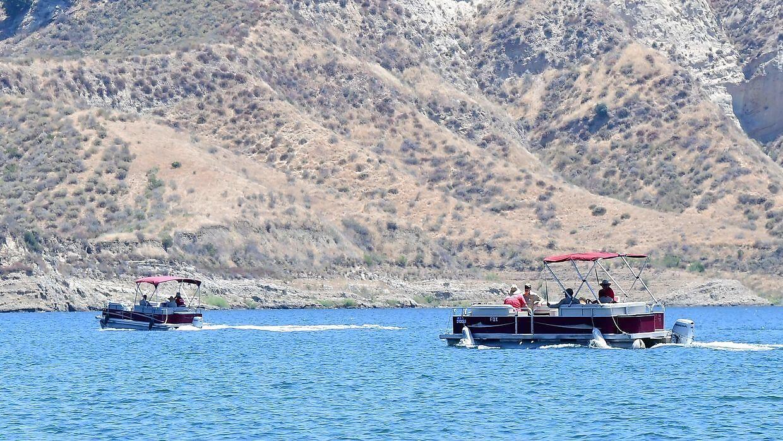 Dykkere, både og helikoptere deltog i eftersøgningen af Rivera.