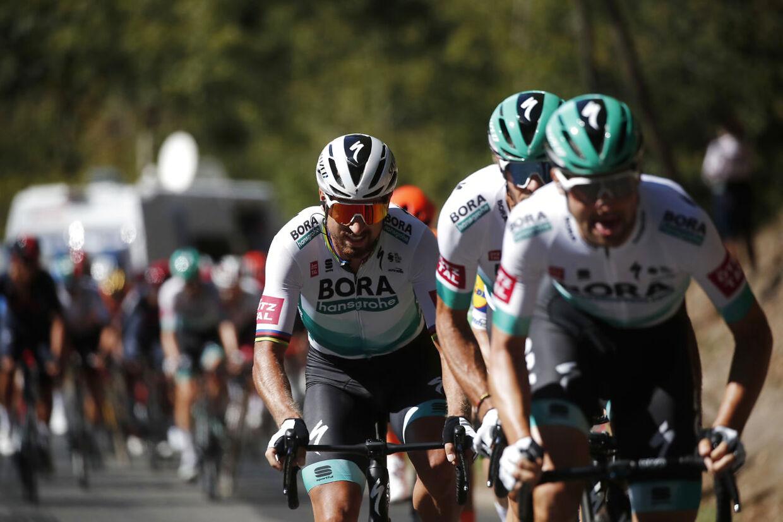 Peter Sagan og Bora kvalte Sam Bennett og Deceuninck-Quick-Step.