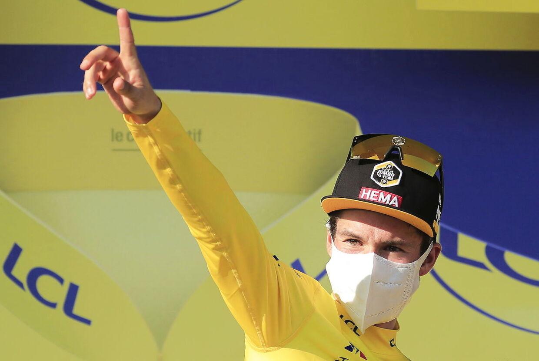 Journalisten Jeremy Whittle har skabt enorm debat, efter han spurgte løbets gule trøje Primoz Roglic, om han var til at stole på.