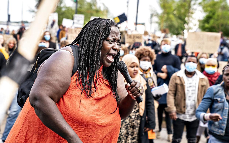 Bwalya Sørensen fra Black Lives Matter Denmark ses her under en demonstration i Aalborg, tirsdag 9. juni 2020. (Foto: Henning Bagger/Ritzau Scanpix)