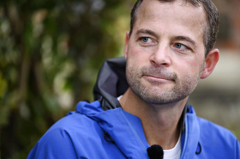 Morten Østergaard, politisk leder for Det Radikale Venstre, gør krumspring for at undgå at udtale sig om, hvorvidt han mener, at udenrigsminister Jeppe Kofod er uværdig til sit embede.