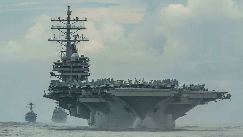 USA har deres helt store krigsskibe i havområdet nær Guam. Her er det hangarskibet USS Ronald Reagan.