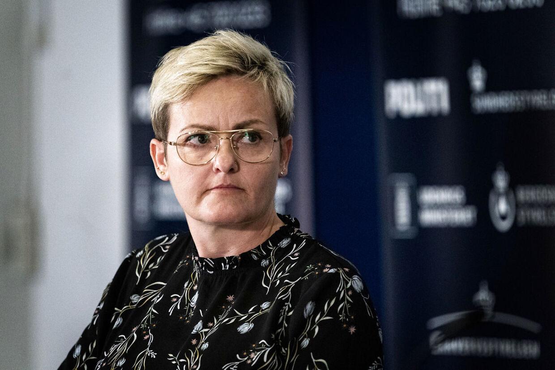 Børne- og undervisningsminister Pernille Rosenkrantz-Theil i 2008:»Reaktionen fra Jeppe Kofods bagland og DSU er totalt overreaktion. Manden har intet ulovligt gjort. – Hvis man mener, det ikke er i orden at have et seksuelt forhold til en person på 15 år, så må man stille forslag til en lovændring.« I dag har hun ingen kommentarer.