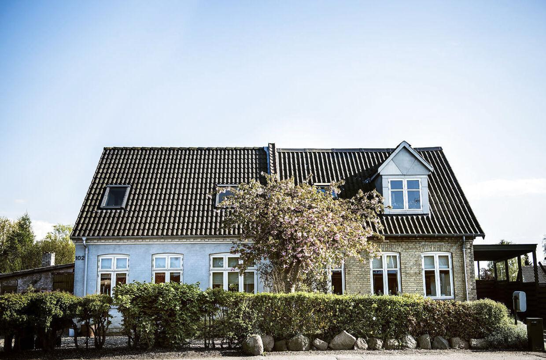 Især huse i Udkantsdanmark er overvurderede. Ejerne har derfor i åresvis betalt for meget i ejendomsskat. Her i Nakskov.