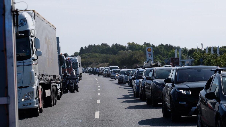 Kø efter uheldet på Vestmotorvejen. Foto: Byrd/Lind Foto