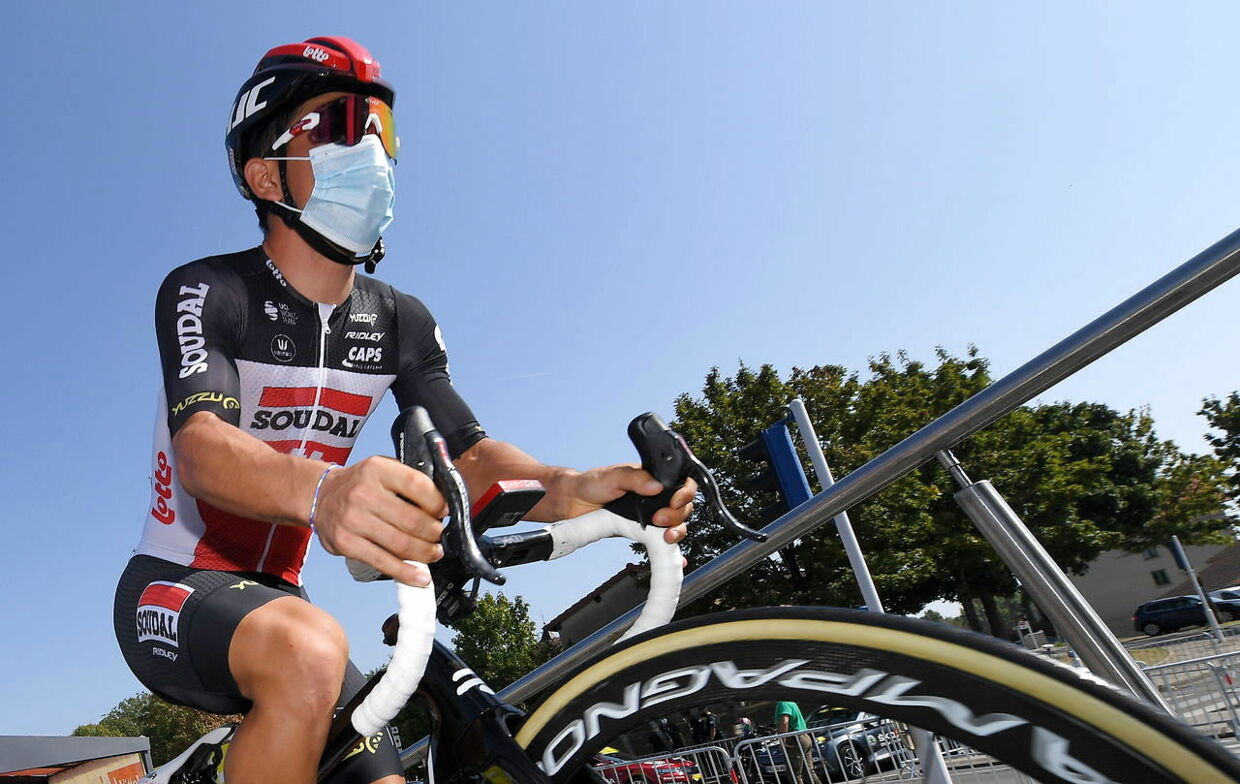 epa08678100 Australian cyclist Caleb Ewan of Lotto Soudal before the start of the 19th stage of the Tour de France over 166, 5km from Bourge-en-Bresse to Champagnole, France, 18 September 2020. EPA/Tim de Waele / Pool