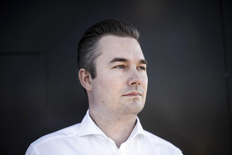 Salgchef i Power Simon Frølich.