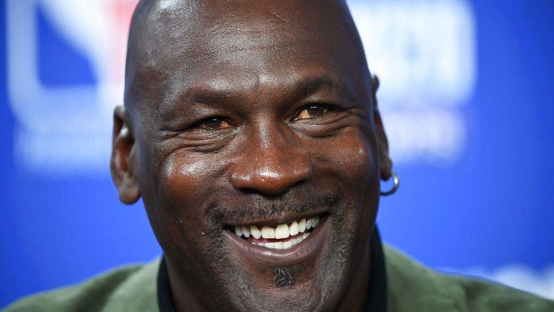 Michael Jordan køber sig ind i en ny sport.