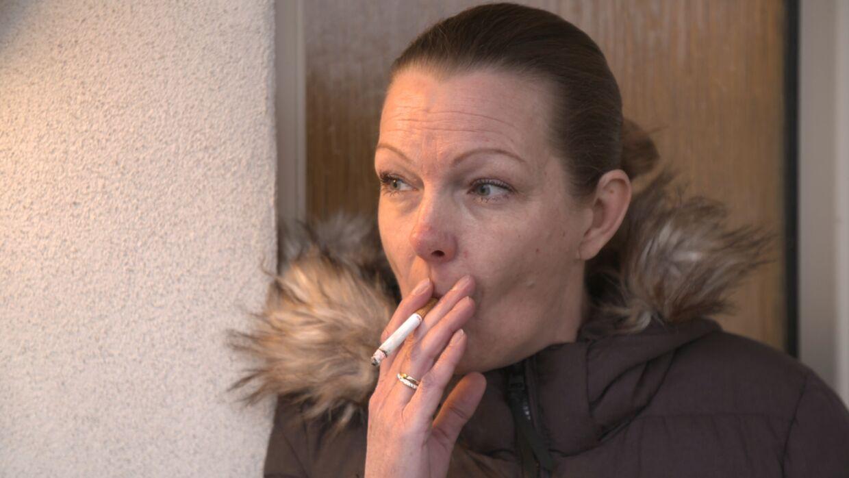 44-årige Karina fra Tommerup har svært ved at betale sin husleje.