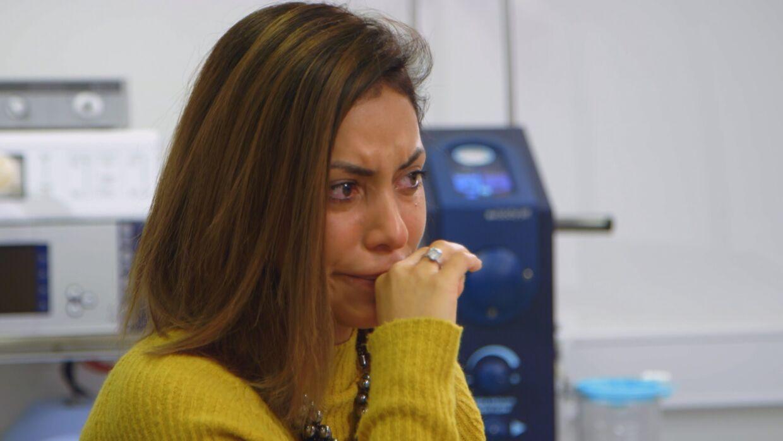 Da Melissa Nielsen skal fortælle, hvordan det er ikke at kunne være den mor, hun drømmer om, for sin datter, kommer tårerne.