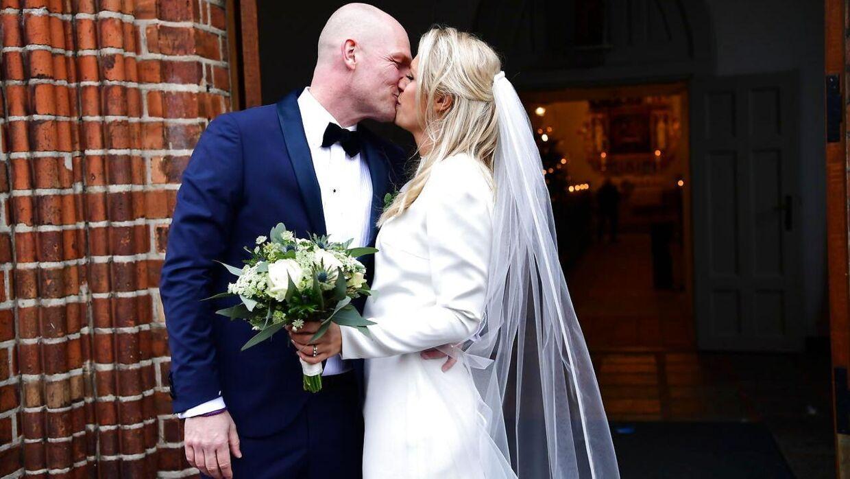 Lasse Sjørslev og Josefine Høgh bliver gift i Sankt Laurentii Kirke i Kerteminde.