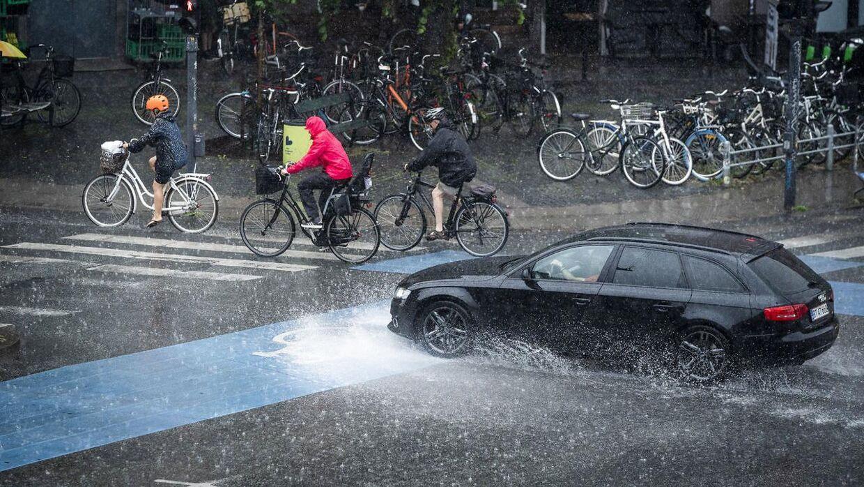 Arkivfoto. DMI forventer mellem 35 og 50 mm regn på 6 timer.