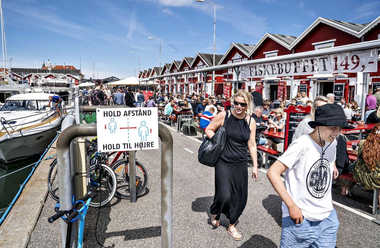 En kendt Skagen-restauratørs stort anlagte 40 års fødselsdagsfest forrige weekend har udløst flere covid-19-smittetilfælde blandt deltagerne og deres nærmeste. Personerne på fotoet, som er fra i sommer, har ikke noget med festen at gøre.