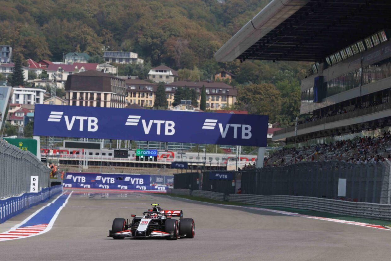 Kevin Magnussen er stadig inde i billedet til en plads i Haas-teamet i 2021
