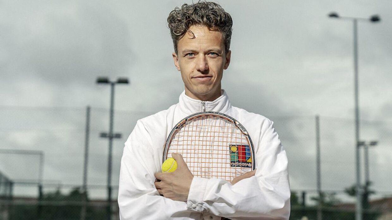 Forfatter, journalist og tenniskommentator Anders Haahr missede muligheden for at kommentere Clara Tausons første sejr ved en Grand Slam nogensinde.