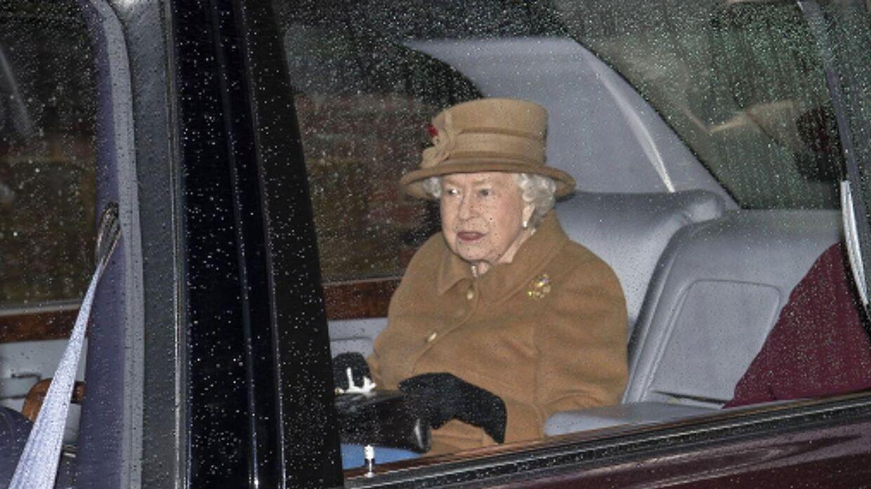 Dronning Elizabeth kort efter ét af de omtalte møder med sin søn og børnebørn.
