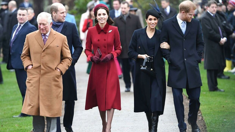 Hele det engelske A-hold blev indkaldt til krisemøde i kongehuset.