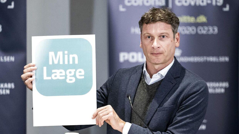 Formand for Praktiserende Lægers Organisation Christian Freitag skulle efter planen være stoppet som formand i april 2021, men stopper nu et halvt år før tid.
