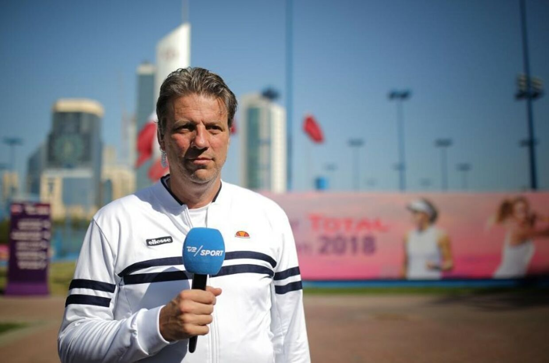 Michael Tauson var selv aktiv som tennisspiller i 1980'erne og 1990'erne. I dag er han blandt andet ansat som tennisekspert hos Tv 2 Sport.