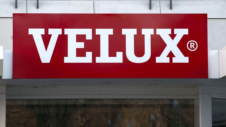 En betroet medarbejder i Velux-koncernen mistænkes for forsøg på at sælge erhvervshemmeligheder til Polen. Industrikoncernen Velux er havnet i en opsigtsvækkende sag om industrispionage.