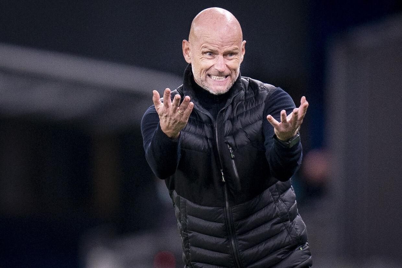 Ståle Solbakken, cheftræner i FC København, forsøgte desperat at råbe sine spillere op i Europa League-kampen mod Rijeka i Parken. Men det hjalp ikke, og FCK tabte på et bizart selvmål. Liselotte Sabroe/Ritzau Scanpix
