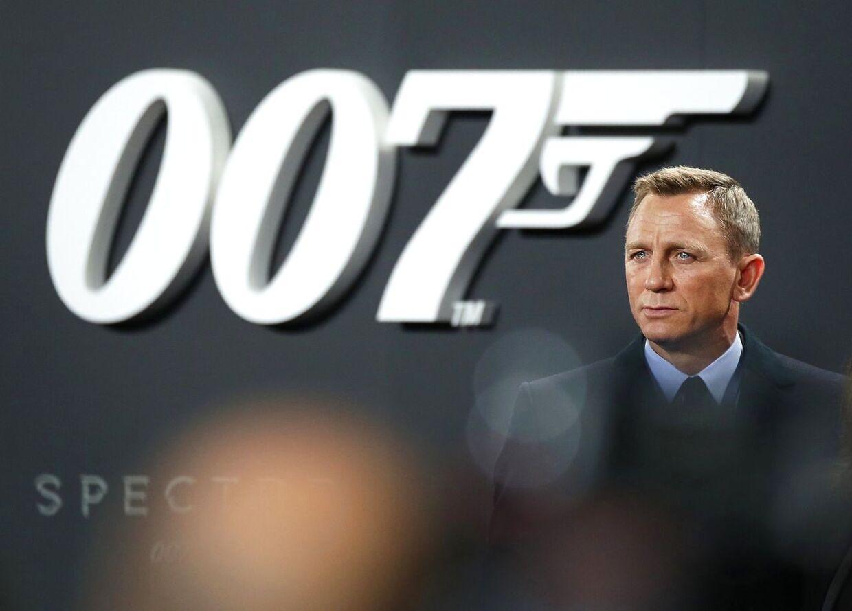 Den seneste udskydelse af den nye James Bond-film er katastrofal for biografer over hele verden.