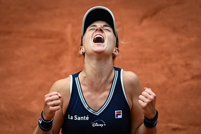 Nadia Podoroska jubler efter sejren i kvartfinalen. Anne-Christine Poujoulat/Ritzau Scanpix